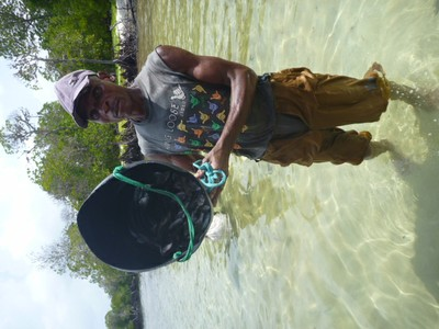Local fisherman in Watamu Photo 2.JPG