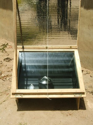 Solar cooker at an Eco-friendly tourist facility.JPG