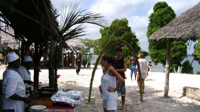 Tourists at Sudi island picnic site.JPG